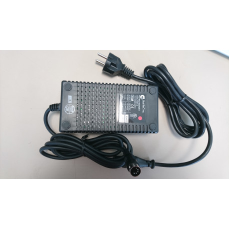 SBIG 90-240V to 12V and 5V DC Power Supply for the ST-7, 8, 9, 10 and 2000 CCD Cameras